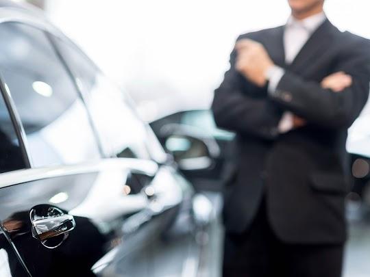 Chauffeur Djems en attente clients