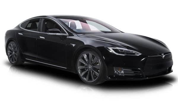 Tesla Modèle S noir avec VTC à Lyon