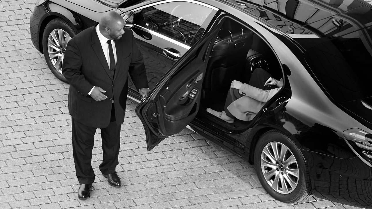 Chauffeur Djems