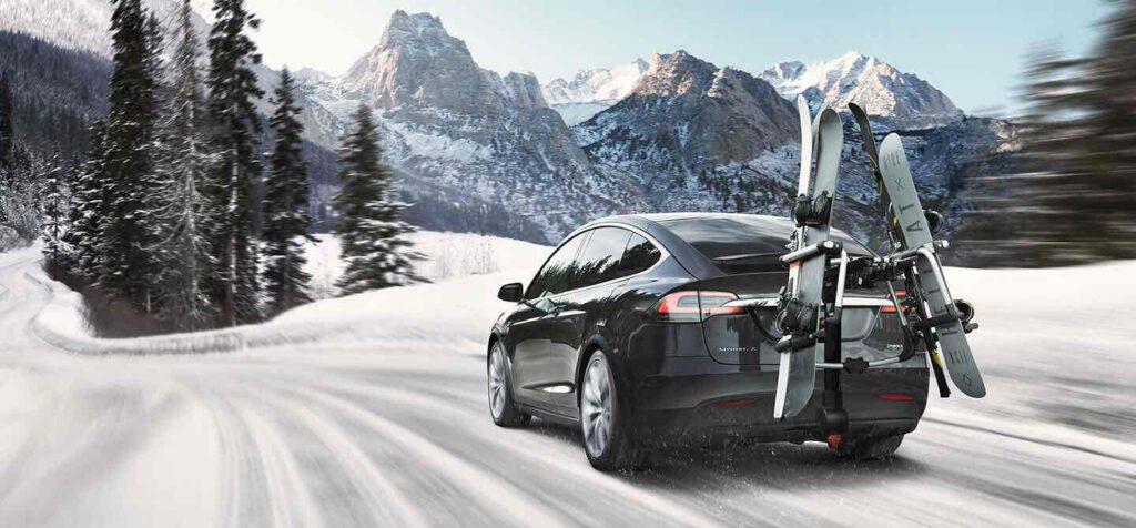 Tesla de chauffeur VTC Djems au ski